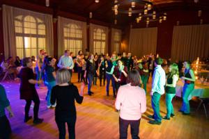 tanzen auf firmenparty